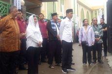 Menteri Rini Cek Penyambungan Listrik Gratis untuk 11.000 Rumah di Bekasi