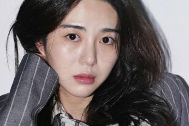 Eks personel AOA, Kwon Mina