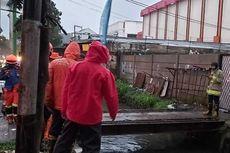 Tim SAR Cari Bocah Terpeleset di Parit Bandung Sepanjang 5,9 Km