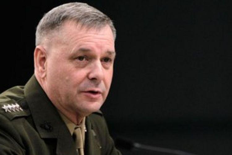 Jenderal (Purn) James Cartwright.