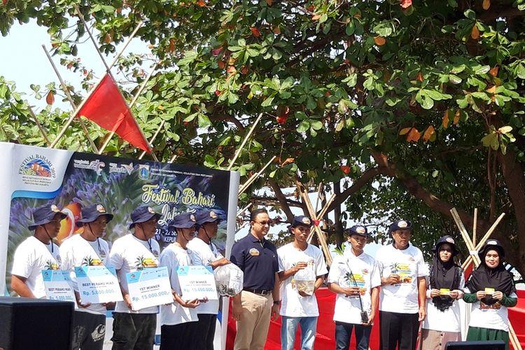Gubernur DKI Jakarta Anies Baswedan saat hadir pada acara puncak Festival Bahari Jakarta (FBJ) 2019, Pulau Tidung, Kepulauan Seribu, Minggu (22/9/2019)