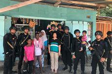Brimob Polda Kepri Hibur Anak-anak Demi untuk Pulihkan Keamanan di Papua