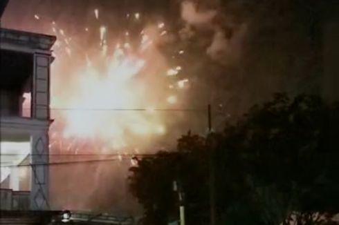 Listrik Menyala Setelah 2 Minggu Padam karena Bencana, Sejumlah Warga NTT Pesta Kembang Api