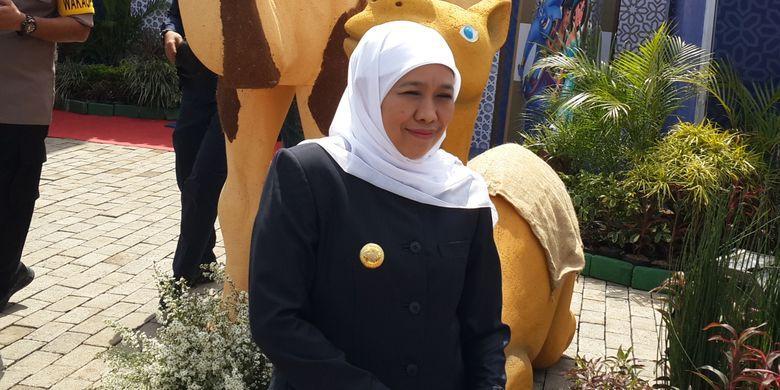Gubernur Jawa Timur Khofifah Indar Parawansa saat meninjau pos pelayanan di exit Singosari Tol Pandaan-Malang, Kabupaten Malang, Sabtu (1/6/2019)