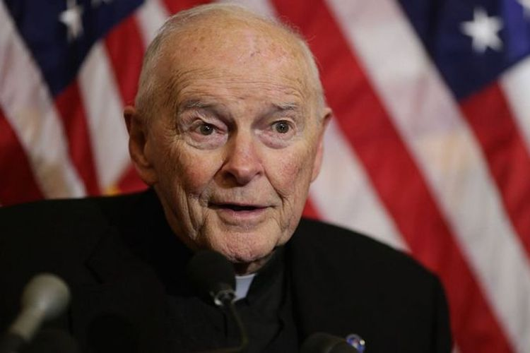 Theodore McCarrick. Mantan kardinal dan Uskup Agung Washington DC, Amerika Serikat. McCarrick adalah orang pertama yang mengundurkan diri sebagai kardinal sejak tahun 1927 setelah dituding melakukan pelecehan seksual selama bertahun-tahun.