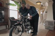Kakek Umur 90 Tahun Bertemu Motornya Setelah Pisah 60 Tahun