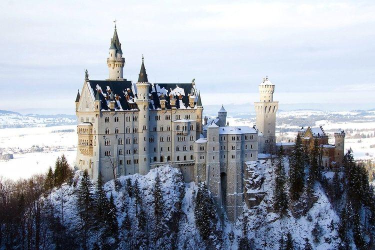 Ilustrasi Jerman - Kastil Neuschwanstein.