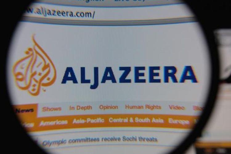 Sejumlah negara Teluk menganggap stasiun televisi yang didanai pemerintah Qatar, Al Jazeera, terlalu dekat dengan Ikhwanul Muslimin, sebuah gerakan yang di sebagian besar negara Arab dianggap sebagai sebuah ancaman.