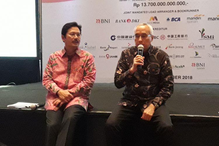 Direktur Utama Jakarta Tollroad Development Frans S Sunito memaparkan kondisi Enam Jalan Tol Dalam Kota Jakarta, didampingi Chief Financial Officer Reynaldi Hermansjah, Selasa (27/11/2018).