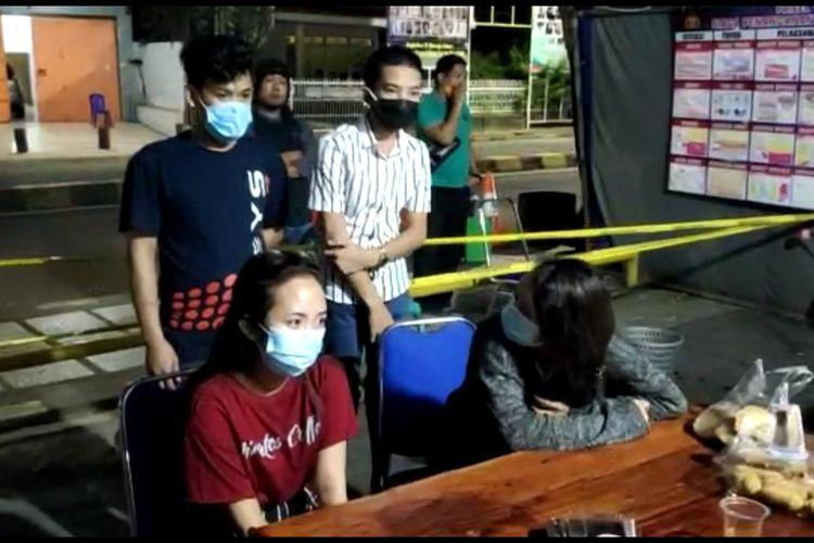AR (20) gadia belia diamankan polisi bersama tiga rekannya lantaran aksi franknya terjangkit Covid-19 di Kabupaten Bone, Sulawesi Selatan. Sabtu, (9/5/2020).