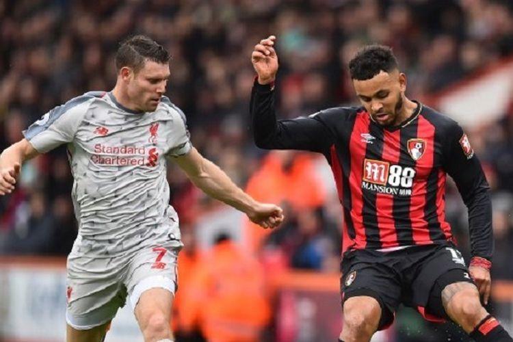 James Milner membayangi Joshua King pada laga Bournemouth vs Liverpool di Stadion Vitality dalam lanjutan Liga Inggris, 8 Desember 2018.