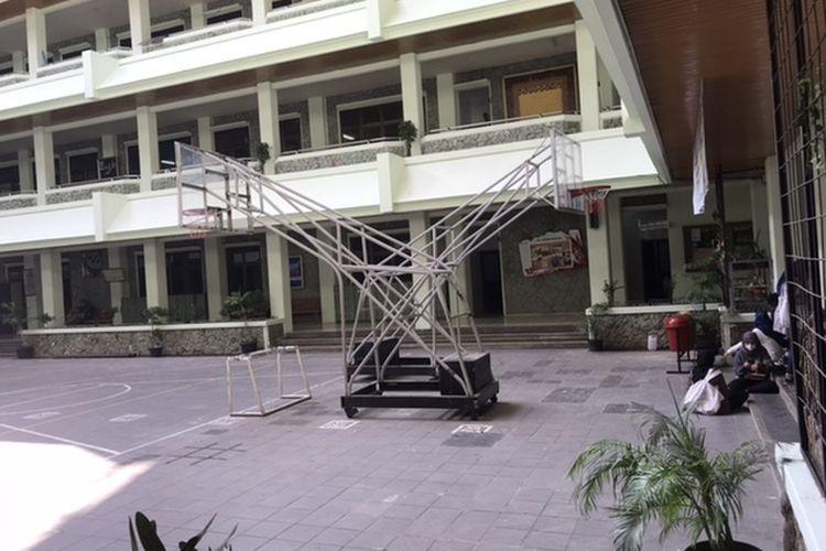 Situasi di SMA Al-Azhar Kota Bekasi, Kemang Pratama, Rawalumbu, Senin (20/7/2020).