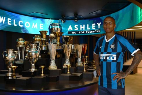 Inter Milan Siap Perpanjang Kontrak Ashley Young
