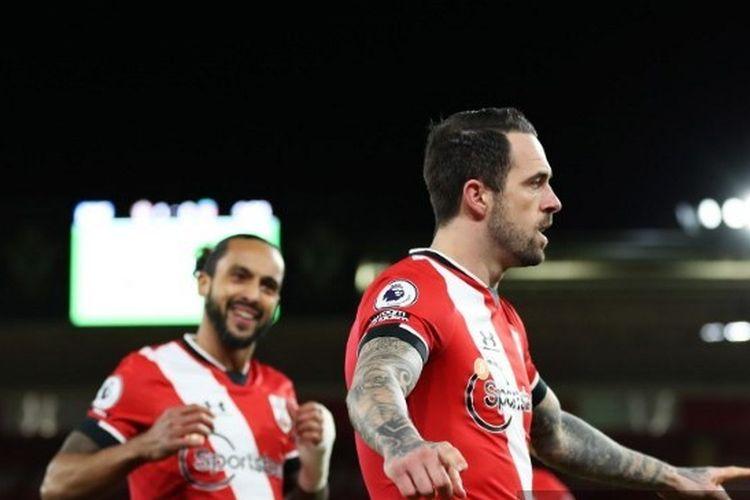 Danny Ings (kanan) merayakan golnya pada laga pekan ke-17 Liga Inggris yang mempertemukan Southampton vs Liverpool di Stadion St. Marys, Selasa (5/1/2021) dini hari WIB.