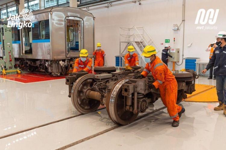 Persiapan uji coba perawatan ratangga MRT Jakarta