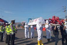 Keranda dan Pocong Keliling Pelabuhan Ketapang, Ingatkan Bahaya Covid-19