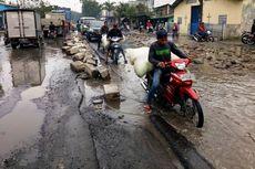Tunggu Jokowi Datang, Jalan Rusak Baru Diperbaiki