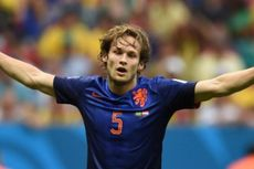 Manchester United Datangkan Daley Blind