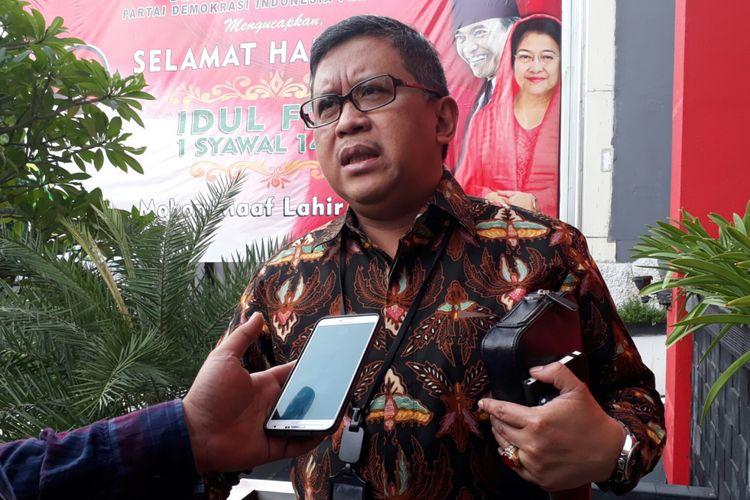 Sekjen PDI-P Hasto Kristiyanto di DPP PDI-P, Menteng, Jakarta Pusat. Jumat (7/7/2017)