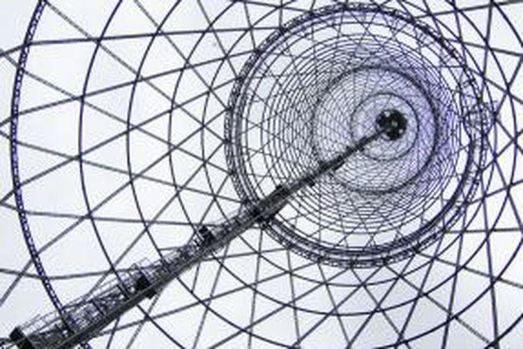 Ilustrasi Shukhov Radio Tower di Shabolovka St. Moscow.