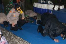 PSBB Kota Tegal Berakhir, Tim Gugus Tugas dan Tenaga Medis Sujud Syukur di Alun-alun