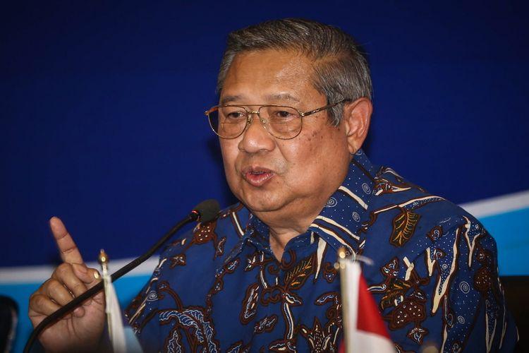 Ketua Umum Partai Demokrat Susilo Bambang Yudhoyono saat memberi sambutan di acara Diskusi Sistem Integritas Partai Politik di kantor DPP Partai Demokrat, di Menteng, Jakarta Pusat, Rabu (13/9/2017). Susilo Bambang Yudhoyono menyatakan, partainya menolak upaya pelemahan terhadap Komisi Pemberantasan Korupsi (KPK).