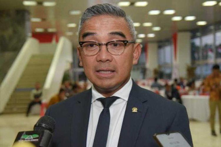 Anggota Komisi I DPR dari Fraksi Nasdem Muhammad Farhan saat memberikan pernyataannya tentang penolakan digitalisasi aksara Jawa oleh lembaga internet dunia, di Bogor, Sabtu (16/1/2021).