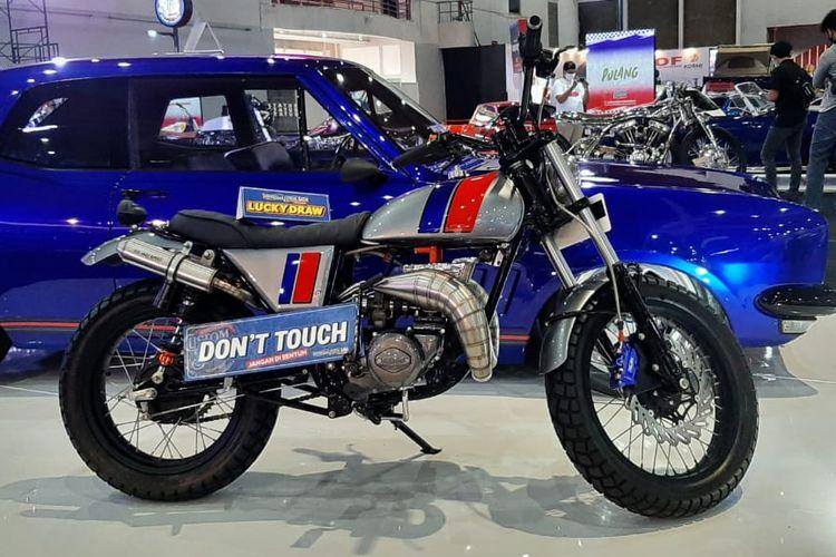 Motor custom Suzuki GT 185 untuk Lucky Draw di Indonesian Custom Show (ICS)