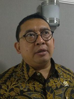 Mantan Wakil Ketua DPR RI periode 2014-2019 Fadli Zon di Kompleks Parlemen, Senayan, Jakarta, Senin (4/11/2019).