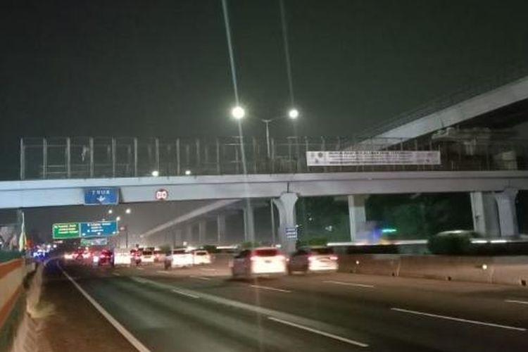 girder jembatan di Jalan Tol Jakarta-Cikampek