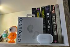 Membuka Kotak Kemasan dan Menjajal TWS Oppo Enco Buds