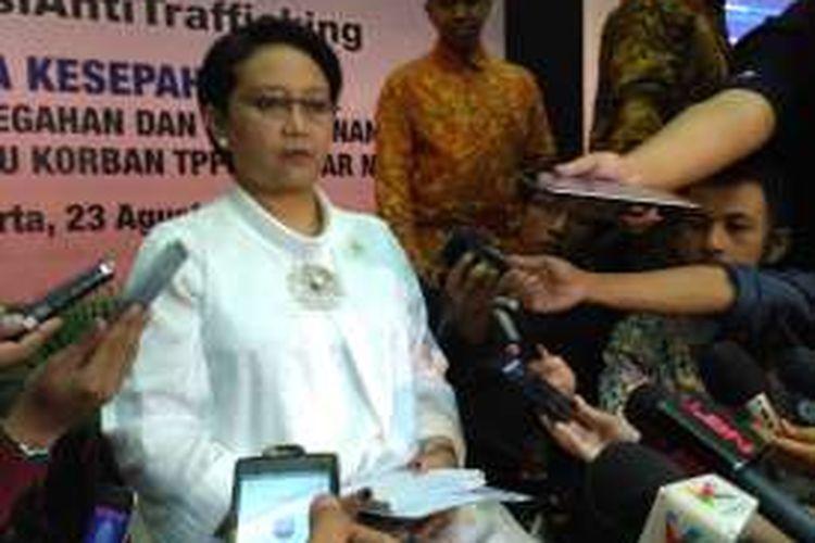 Menteri Luar Negeri Retno Marsudi memberikan keterangan kepada media di Kompleks Kemenlu, Jakarta (23/8/2016)