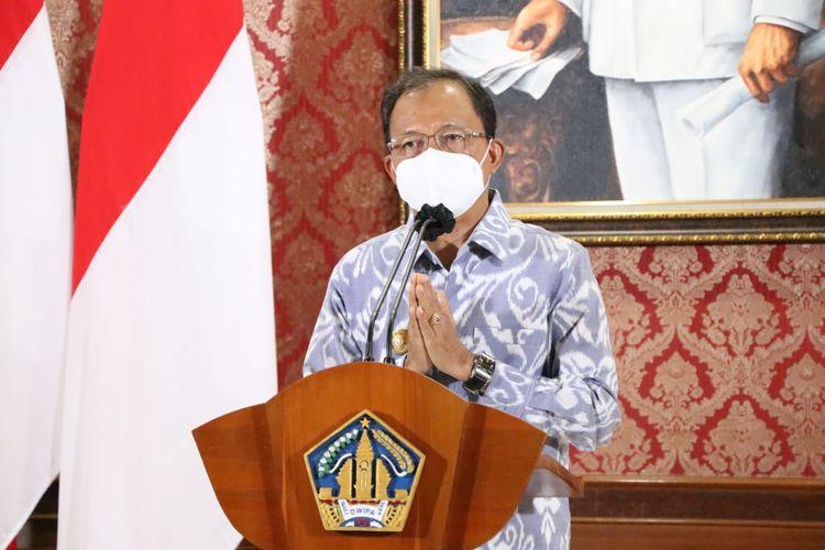 Gubernur Bali Wayan Koster menyebutkan bahwa penerapan status PPKM Level 4 sangat memberatkan masyarakat di Bali.