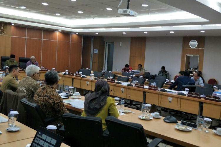 Rapat pembahasan Formula E antara Pemprov DKI Jakarta bersama Komisi B DPRD DKI Jakarta di Gedung DPRD DKI Jakarta, Selasa (25/2/2020).
