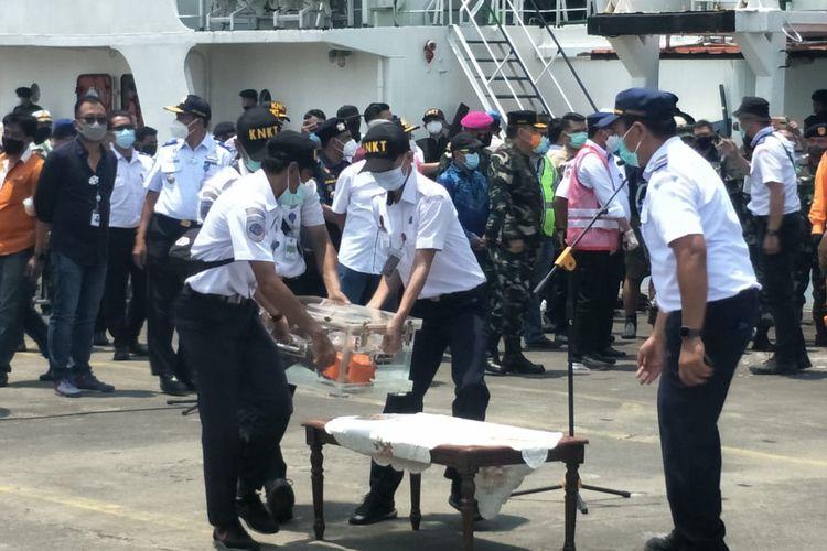 CVR Sriwijaya Air SJ 182 yang mengalami kecelakaan di Kepulauan Seribu pada Sabtu (9/1/2021) lalu ditemukan.