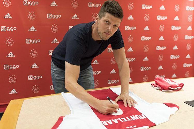 Klaas Jan Huntelaar kembali bergabung dengan Ajax Amsterdam, Kamis (1/6/2017).