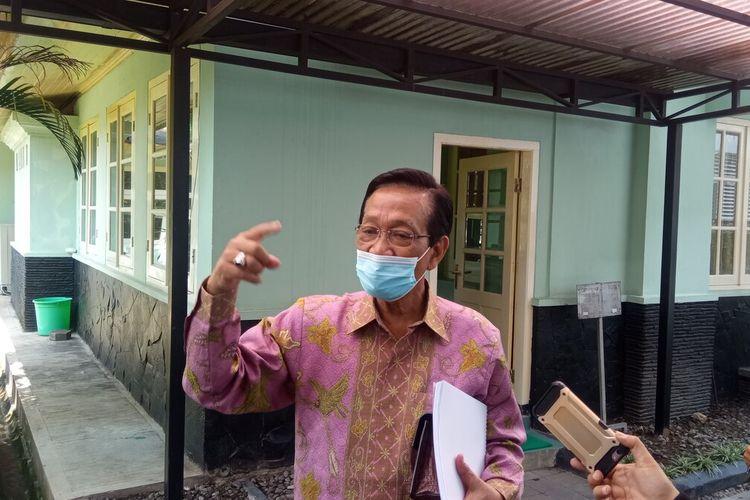 Gubernur DIY Sultan HB X, saat ditemui di Kepatihan Kota Yogyakarta, Jumat (18/6/2021) jelaskan buka opsi lockdown