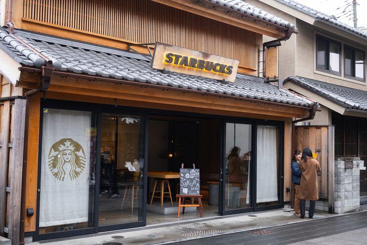 Ilustrasi gerai Starbucks di Kawagoe, Jepang.