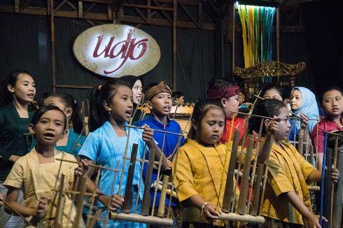 Saung Angklung Udjo, Nonton Wayang Golek sampai Belajar Angklung