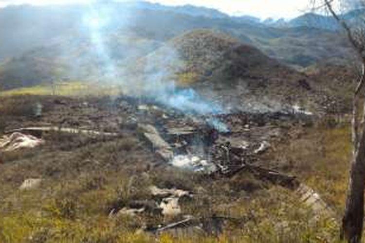 Pesawat Hercules milik TNI AU jatuh di Wamen, Minggu (18/12/2016).