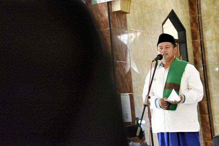 Wakil Gubernur Jabar Uu Ruzhanul Ulum saat melakukan Safari Ramadan di tiga daerah, Senin (19/4/2021