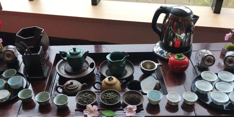 Ten Ren's Tea, cocok disajikan dengan kue bulan, ada di Pearl Chinese Restaurant di JW Marriot Hotel Jakarta, Kamis (30/8/2018).
