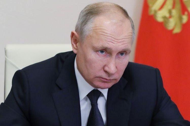 Putin yang berusia 68 tahun sebelumnya mengatakan bahwa vaksin Rusia efektif dan aman.