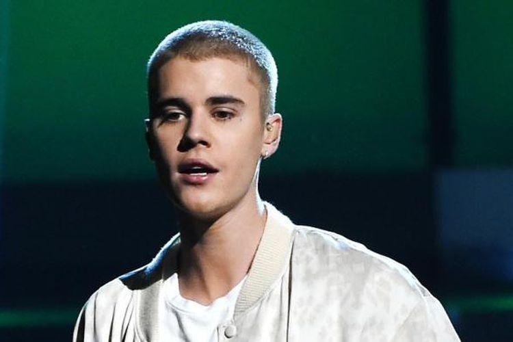 Penyanyi Kanada Justin Bieber tampil pada acara Billboard Music Awards 2016, yang digelar di T-Mobile Arena, Las Vegas, Nevada, AS, Minggu (22/5/2016).