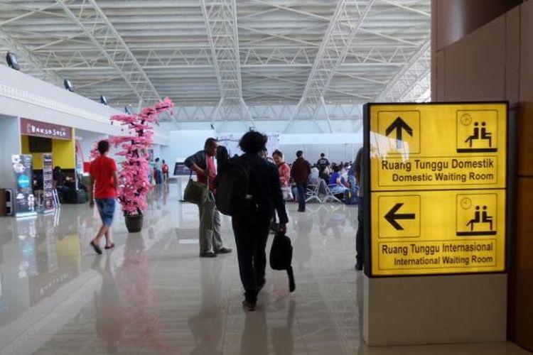 Suasana terminal penumpang Bandara Supadio, Pontianak, Kalimantan Barat, Rabu (30/3/2016). Angkasa Pura II terus mengembangkan bandara ini dan pembangunan ditargetkan selesai pada pertengahan Desember 2016.