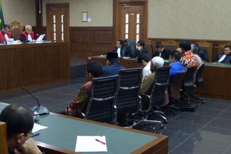 Tujuh terdakwa anggota DPRD Sumatera Utara menjalani sidang pembacaan putusan di Pengadilan Tipikor Jakarta, Rabu (1/3/2017).