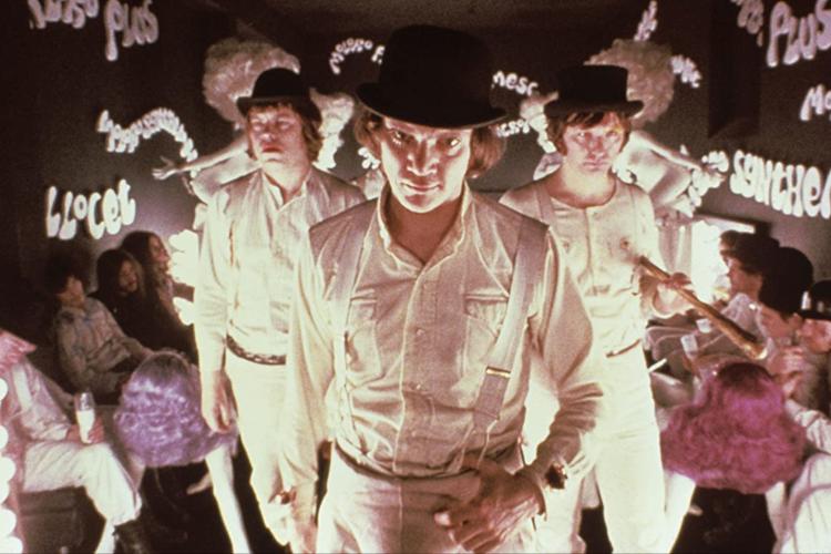 Alex Delarge bersama dengan pengikutnya dalam A Clockwork Orange.
