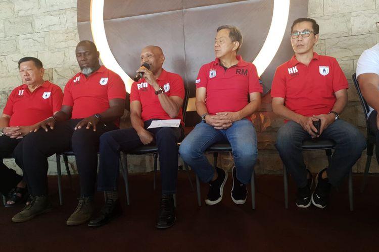 Manajemen Persipura mengumumkan skuad mereka untuk Liga 1 2020, di Resto B-ONE, Jayapura, Selasa (21/1/2020).