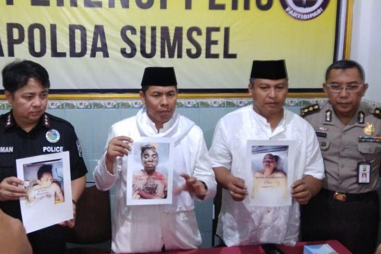 Kapolda Sumsel Irjen Pol Zulkarnain Adinegara saat gelar perkara penembakan tiga bandar narkoba asal Sulawesi Tengah