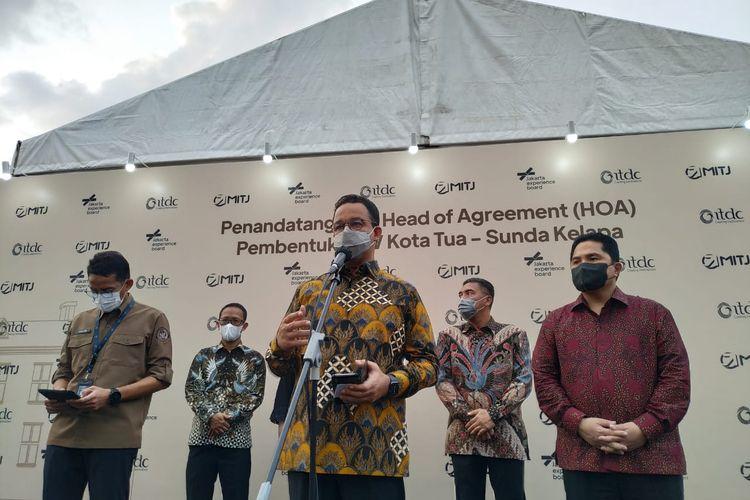 Gubernur DKI Jakarta Anies Baswedan saat konferensi pers di kawasan Kota Tua Jakarta, Rabu (28/4/2021)
